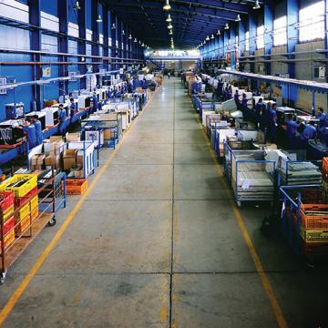 سیستم های نظارت تصویری ژئوويژن در شرکت تولید کنندهٔ لوازم خانگی اسنوا